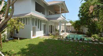 3-bedroom Villa Evelyn in Sanur