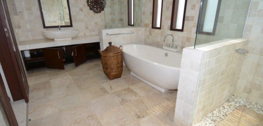 Villa Dahlia in Pererenan – AY802