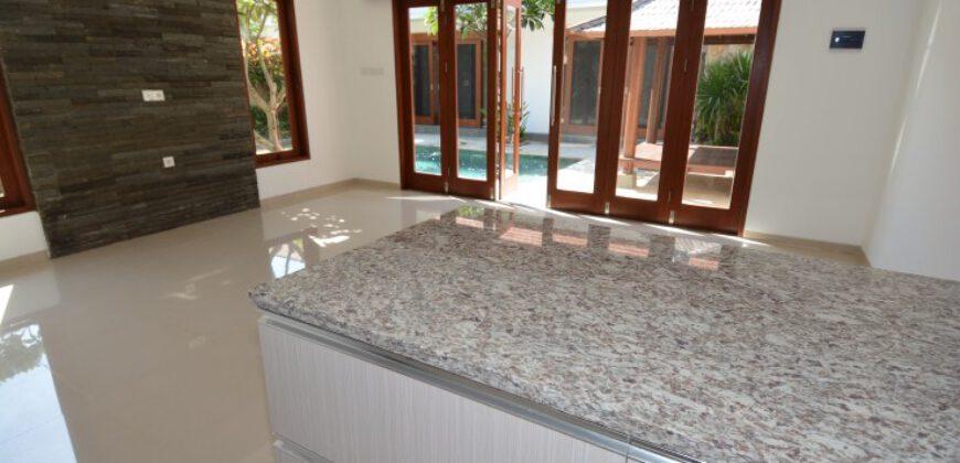 Villa Makenna in Sanur – AY850