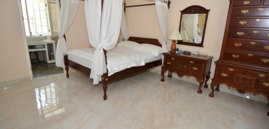 Villa Mikaela in Sanur – AY944