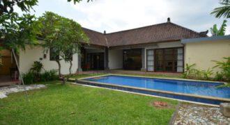 Villa Kaylie in Sanur – AY670