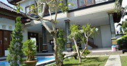 Villa Bellflowers in Kerobokan – AR043