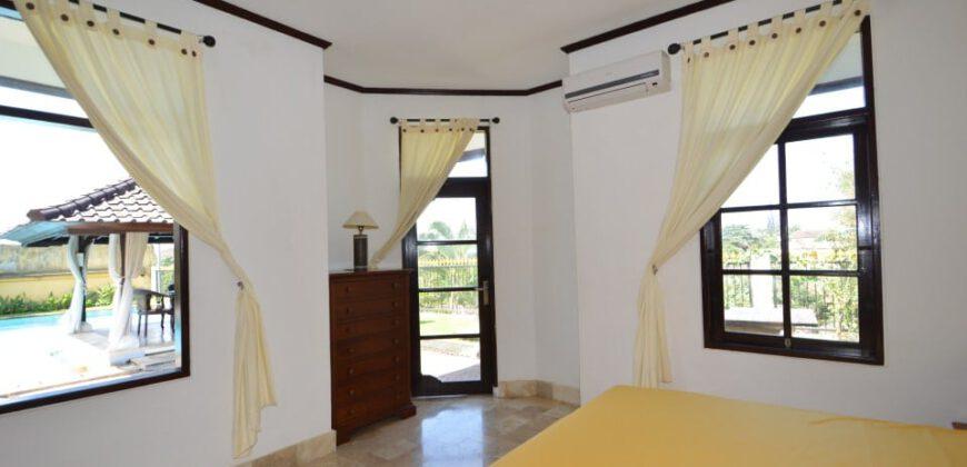 Villa Silene in Sanur – AR300