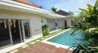 Villa Rosa in Canggu – AR556