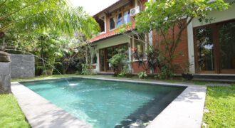 Villa Samira in Petitenget – AR567