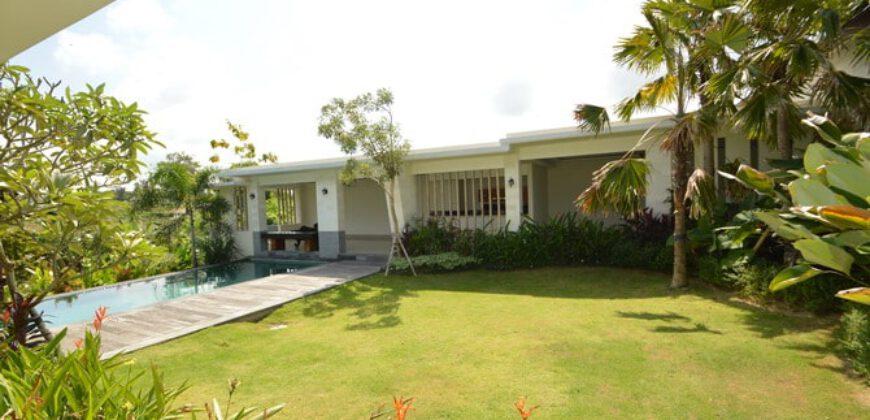 Villa August in Berawa – AR580