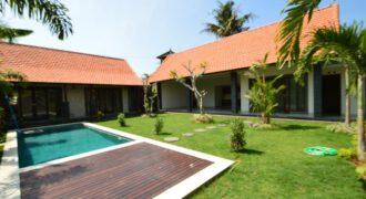 Villa Monroe in Canggu – AR594