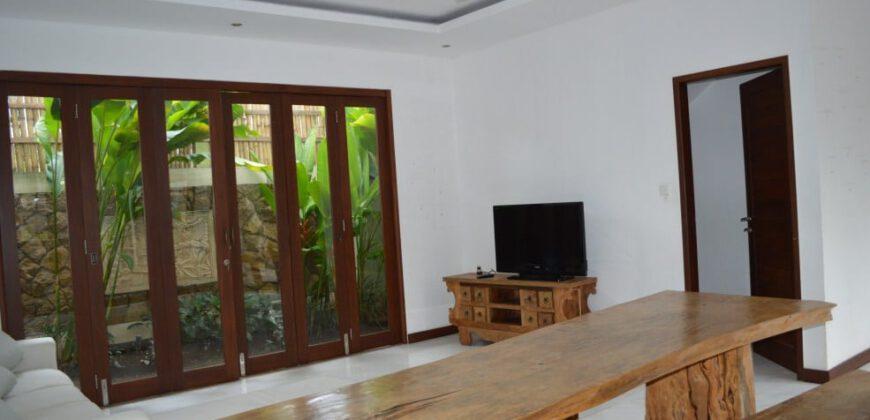 Villa Walnut in Kerobokan – AR170