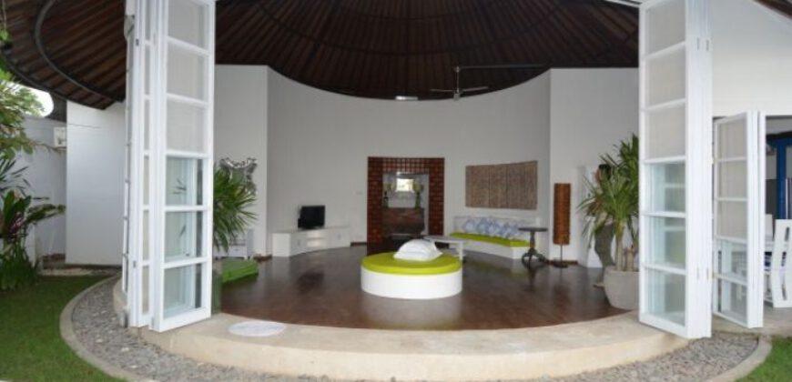 Villa Kiara in Berawa – AY701