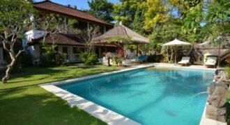 Villa Logan in Sanur – AY780