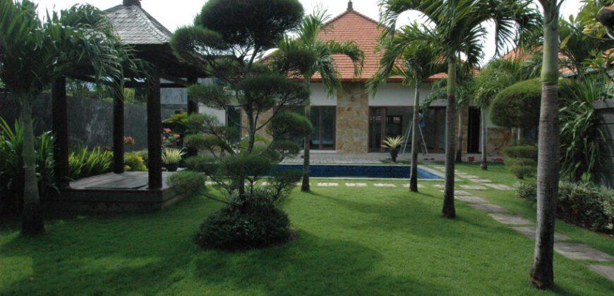 Villa Birmingham in Sanur – AY202
