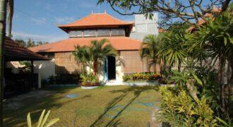 Villa Agathe in sanur – YA21