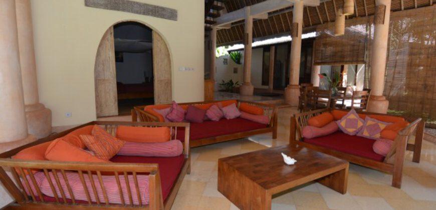 Villa Whittier in Kerobokan – AY566A