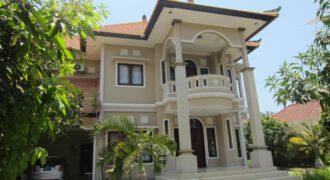 Villa Adiratna in Nusa Dua – RI64