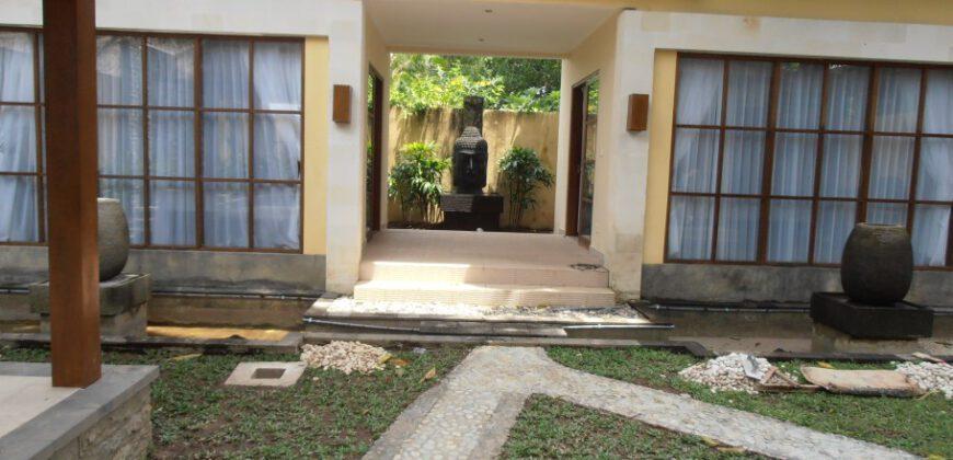 Villa Pramana in Sanur – YA165