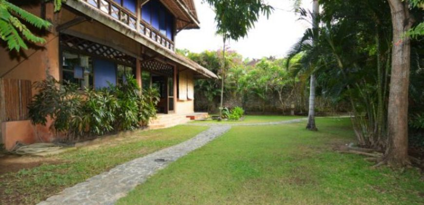 Villa Calhoun in Seminyak – AY635