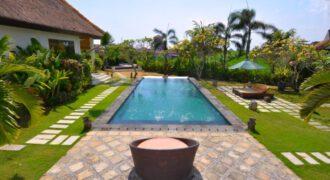 Villa Hayward in Canggu – AY471