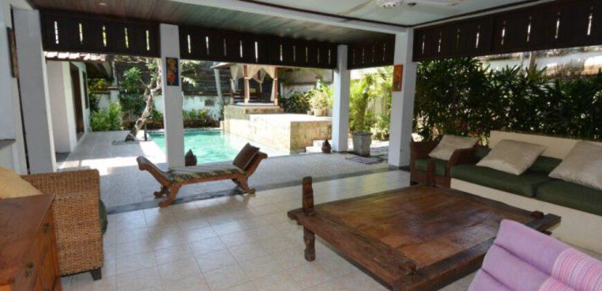 Villa Hollywood in Petitenget – AY474