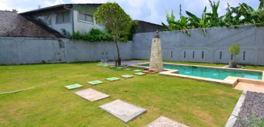 Villa Torrance in Kerobokan – AY548
