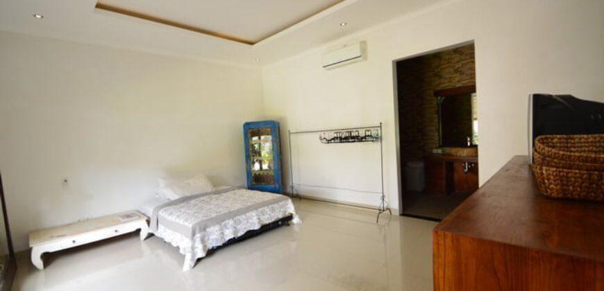 House Perry in Kerobokan – AR573