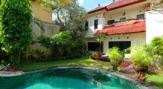Villa Garland in Kerobokan – JM001