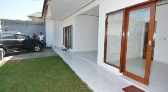 House Ross in Kerobokan – AY764