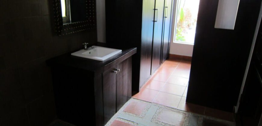 Villa Lawas in Umalas – AY98C